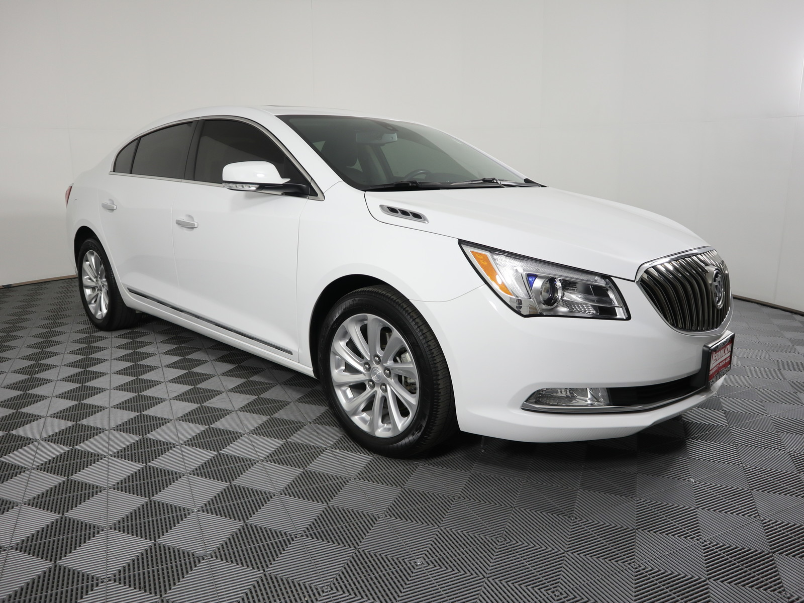 Pre Owned 2016 Buick Lacrosse 4dr Sdn Leather Fwd